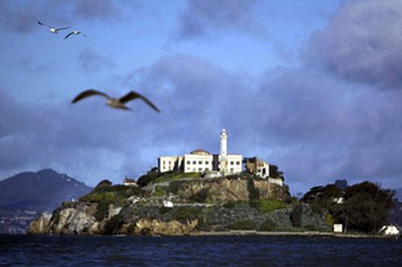 The watchman of Alcatraz escapes at the end of each shift