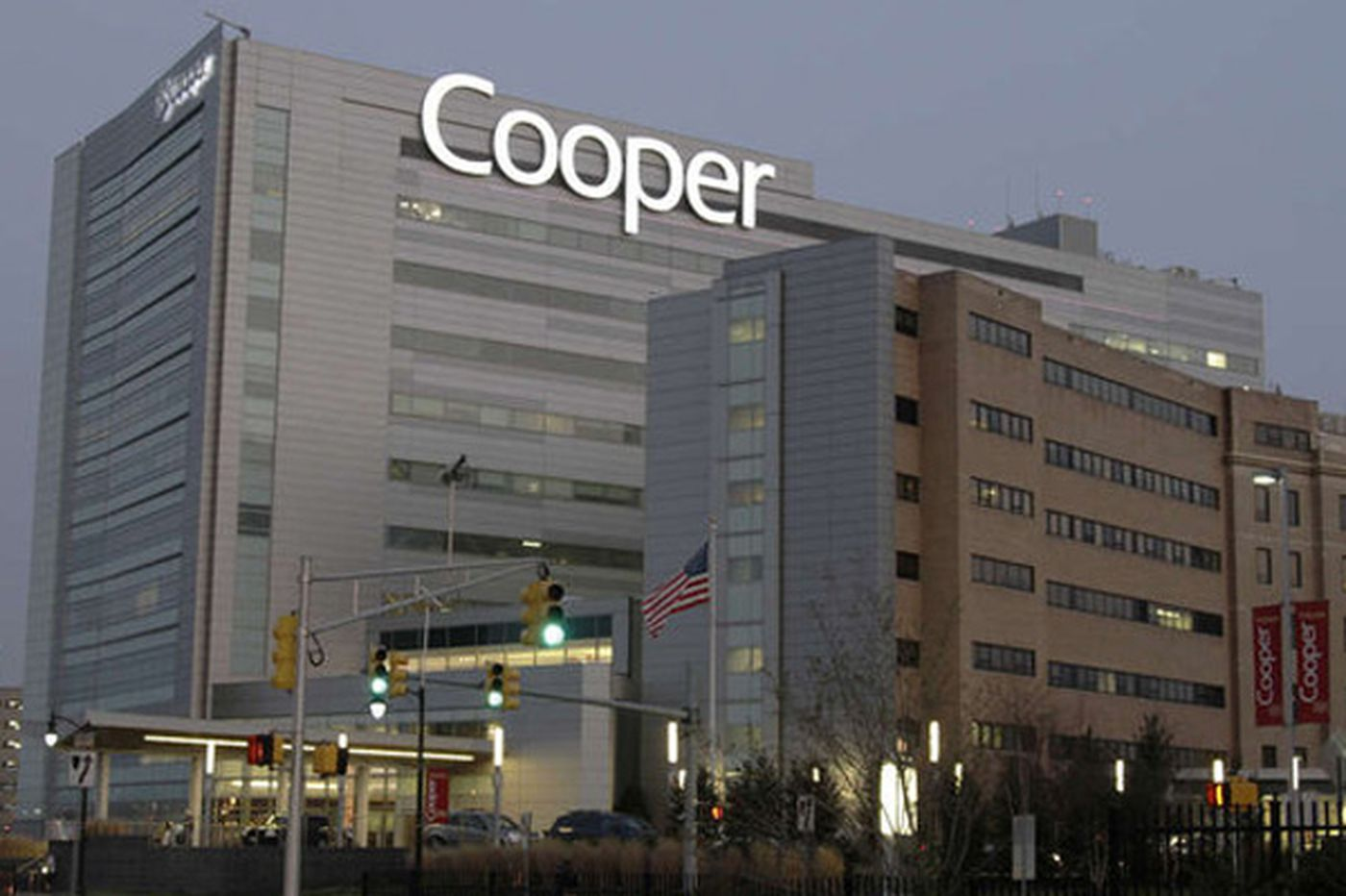 Data on death rates: Two community hospitals edge out Cooper