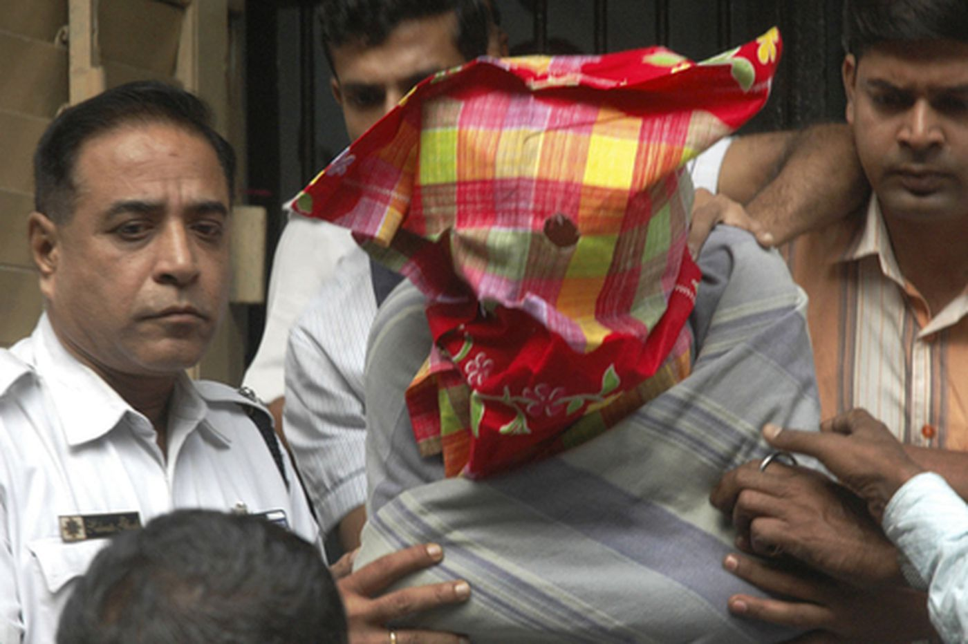 Man said to help Mumbai gunmen may have been police