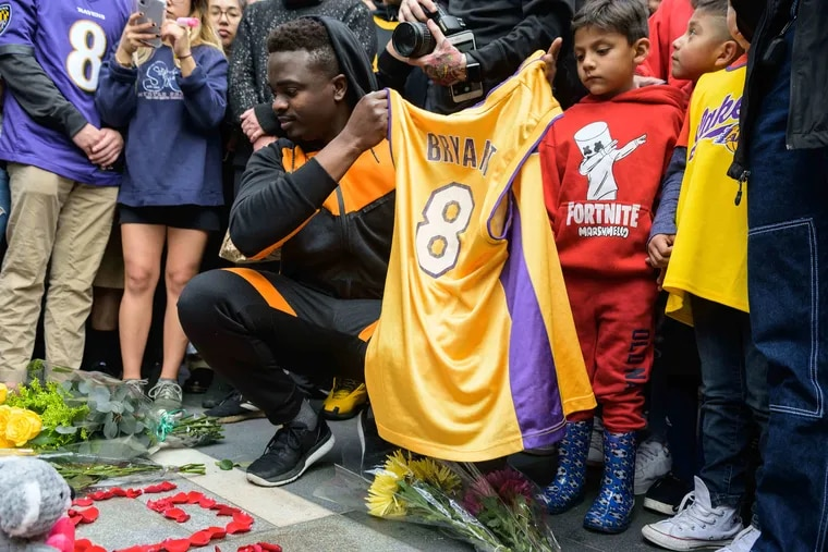 Fans gathered outside the Staples Center in Los Angeles to pay tribute to the memory of Kobe Bryant.