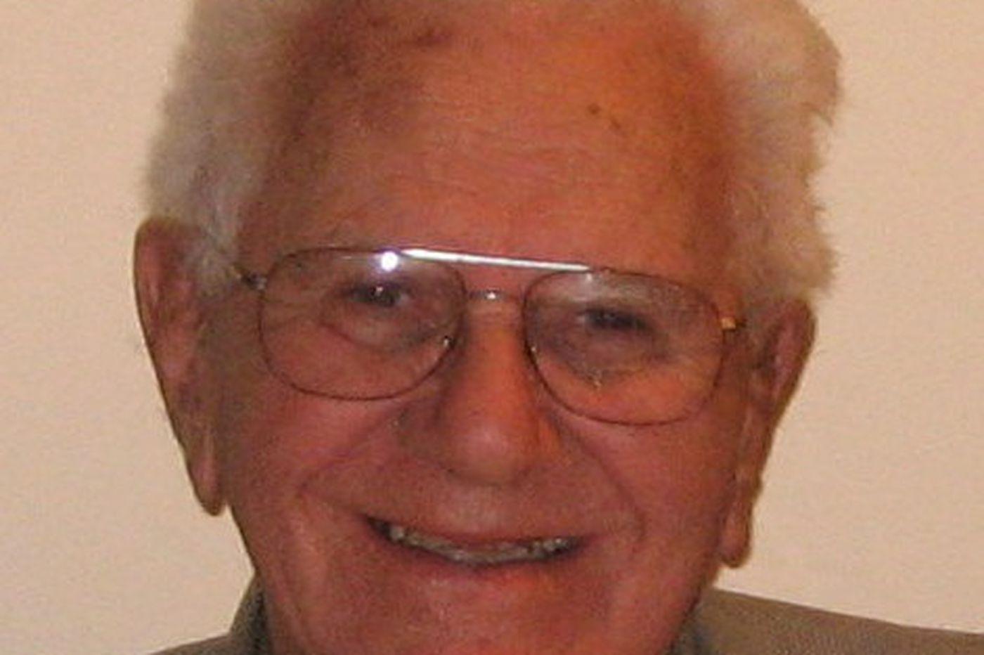 Robert M. Appelbaum, a businessman who founded a Quaker nonprofit center, dies at 98