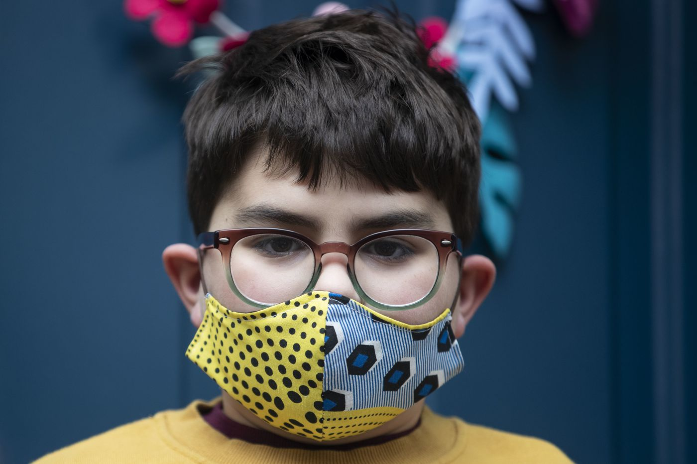 How to wear a mask and not fog up your glasses
