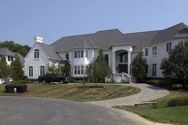 3 mansions of ex-Eagles on the market