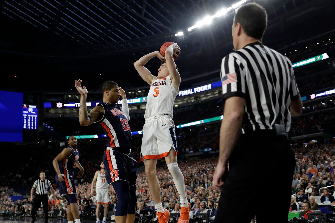 Final Four: Former Philly high school star Samir Doughty handles Auburn's disappointment at hands of Virginia with class