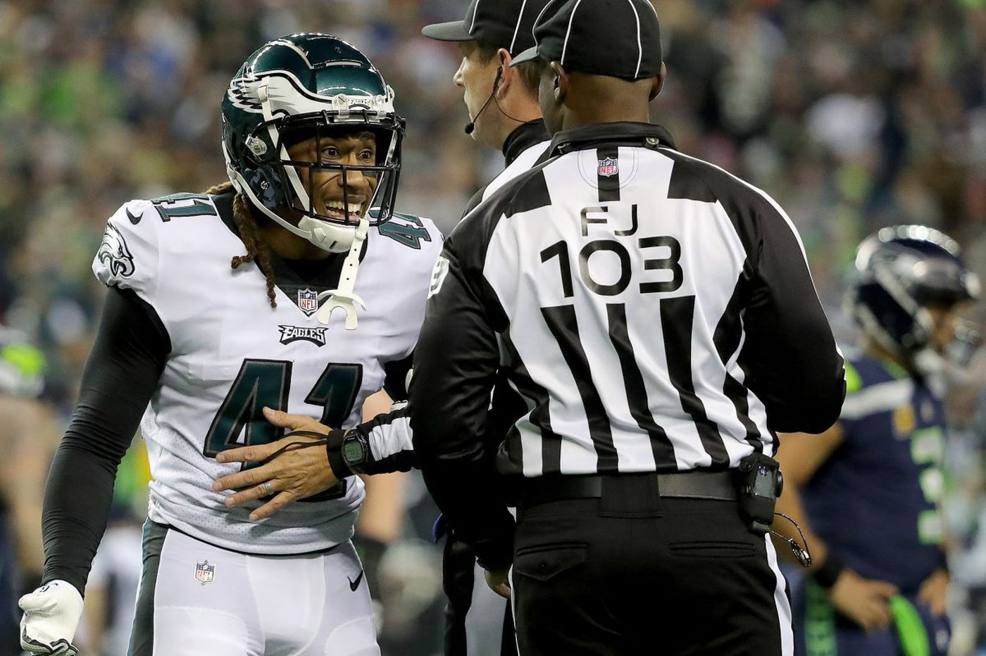 Eagles' Doug Pederson looks to tighten up, in a laid-back locale