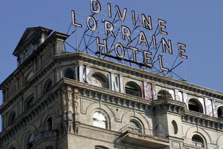 The Divine Lorraine on N. Broad opened in 1894. Many see it as a 10-story barrier to area's revival. (Michael S. Wirtz / Staff Photographer)