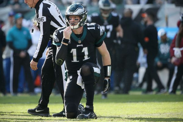A year of an affordable Carson Wentz heads down the drain for Eagles | Bob Ford