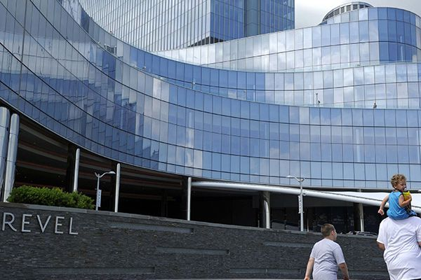 Delay of Revel bankruptcy is hardly a good sign, experts say