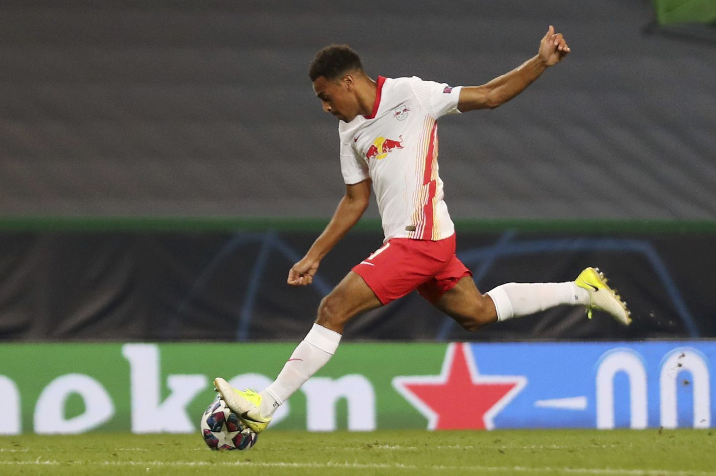 Soccer on TV: Champions League semifinals, MLS teams resume playing