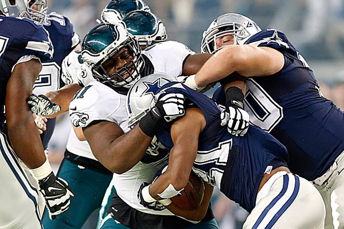 Eagles' Cox is coming into his own as a quality defensive end