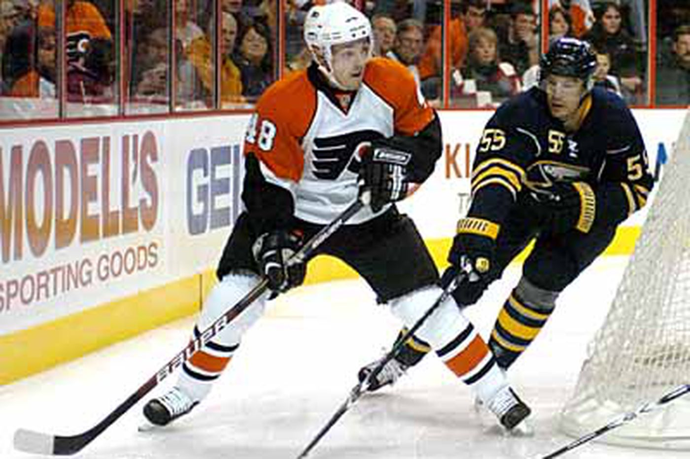 Slumping Flyers welcome Briere's return