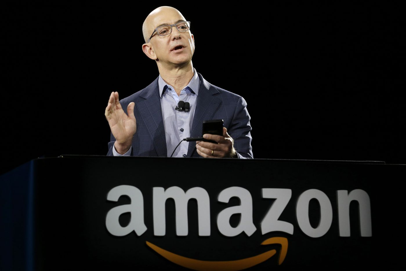 Amazon employees demand company cut ties with ICE