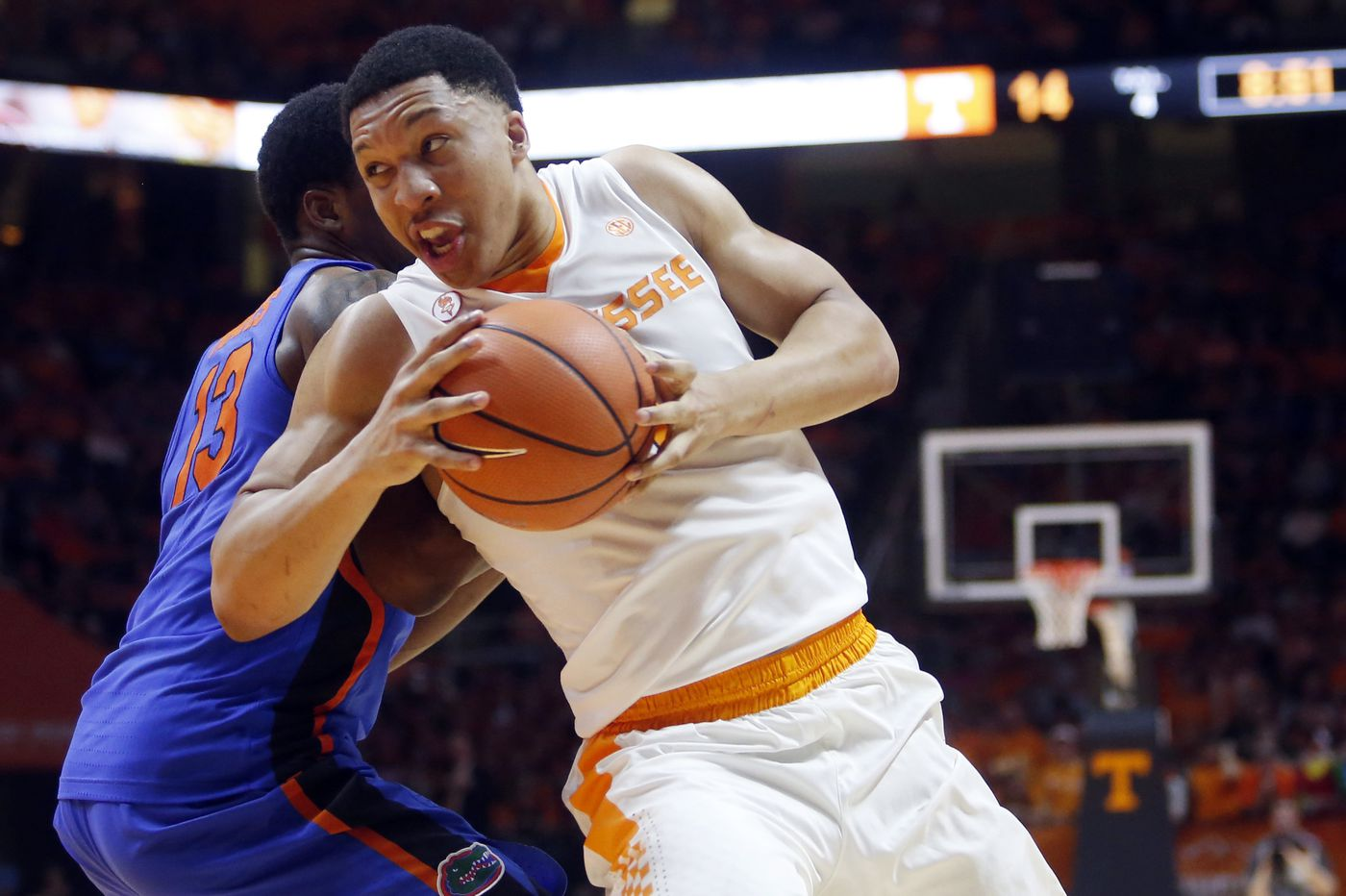 Sixers' Saturday workout to feature Tennessee All-American Grant Williams, Oregon's Louis King