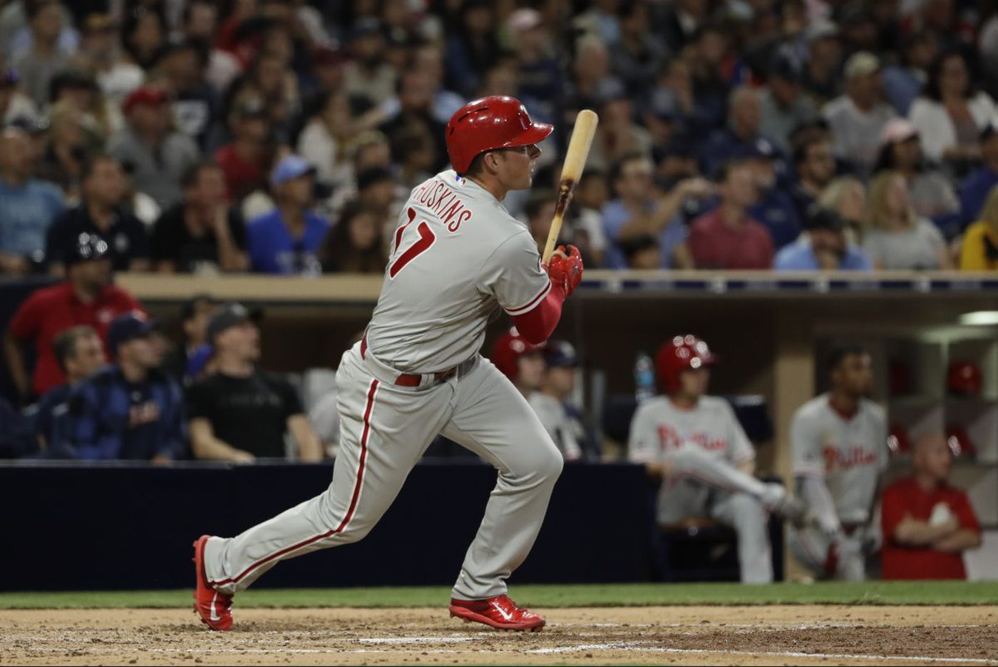 Rhys Hoskins hits two homers, but Phillies lose