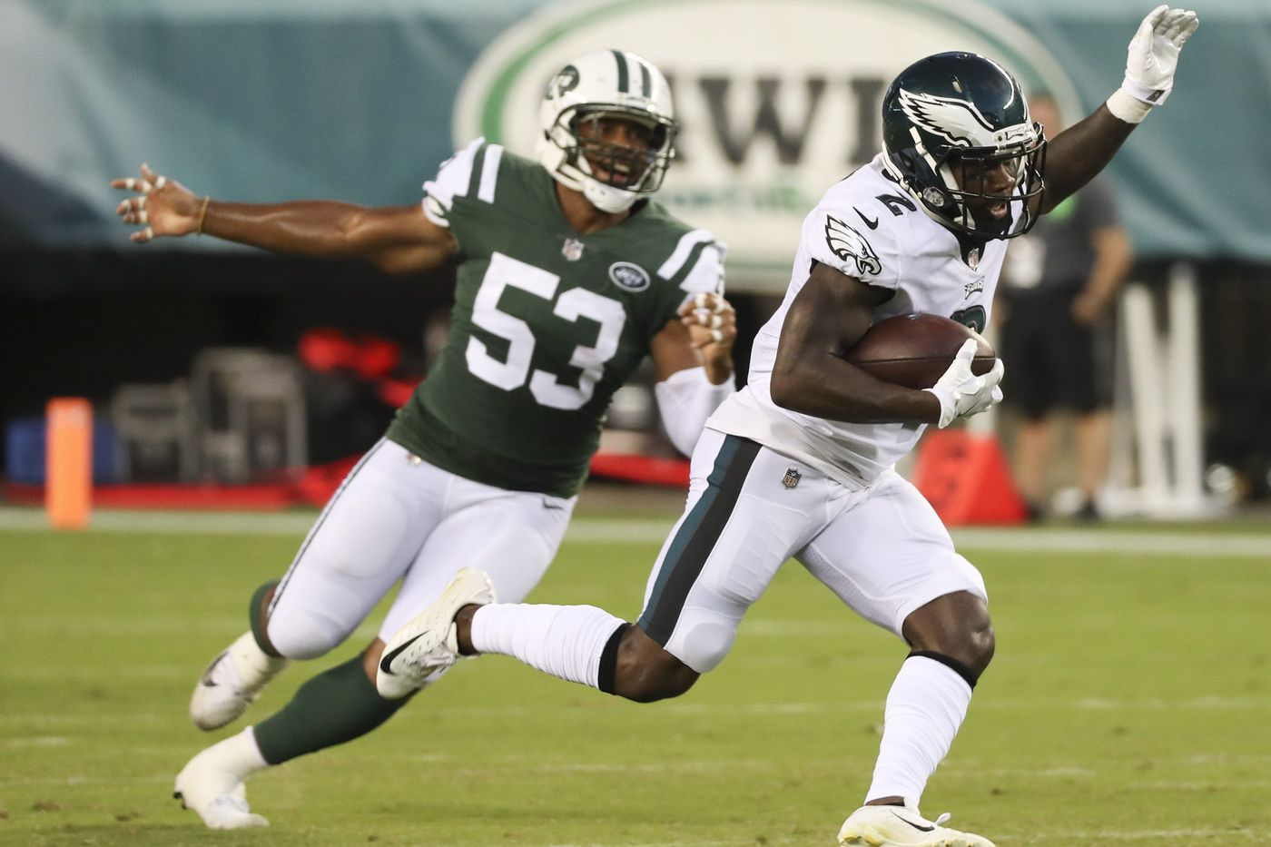 Eagles' DeAndre Carter states his case, amid a swarm of young receivers