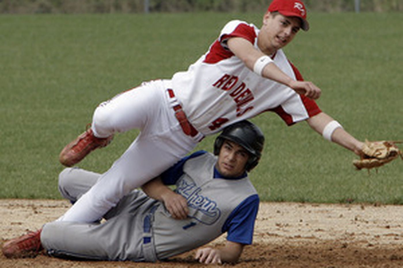 S. Jersey Boys | Carcaise and Eustace blank Winslow for title