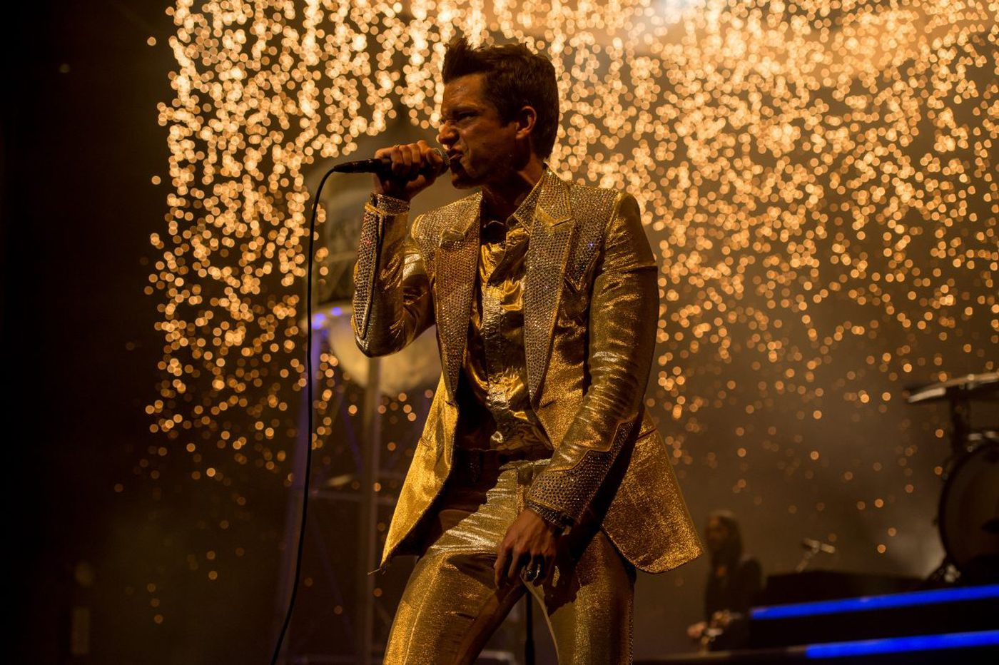 The Killers transform the Wells Fargo Center into the largest karaoke bar