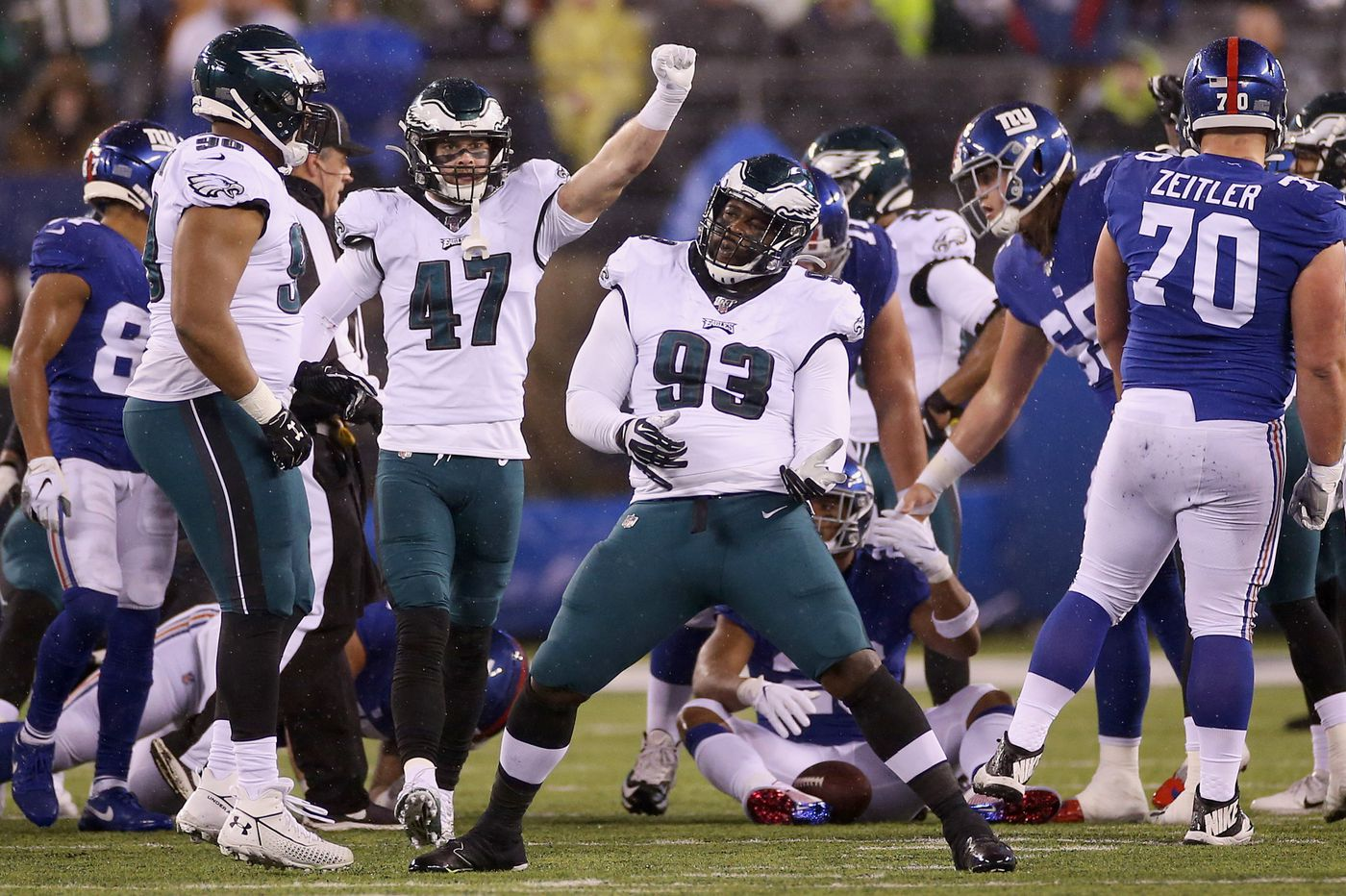 Eagles fans celebrate gutsy Birds' triumph over injuries to beat Giants, win NFC East