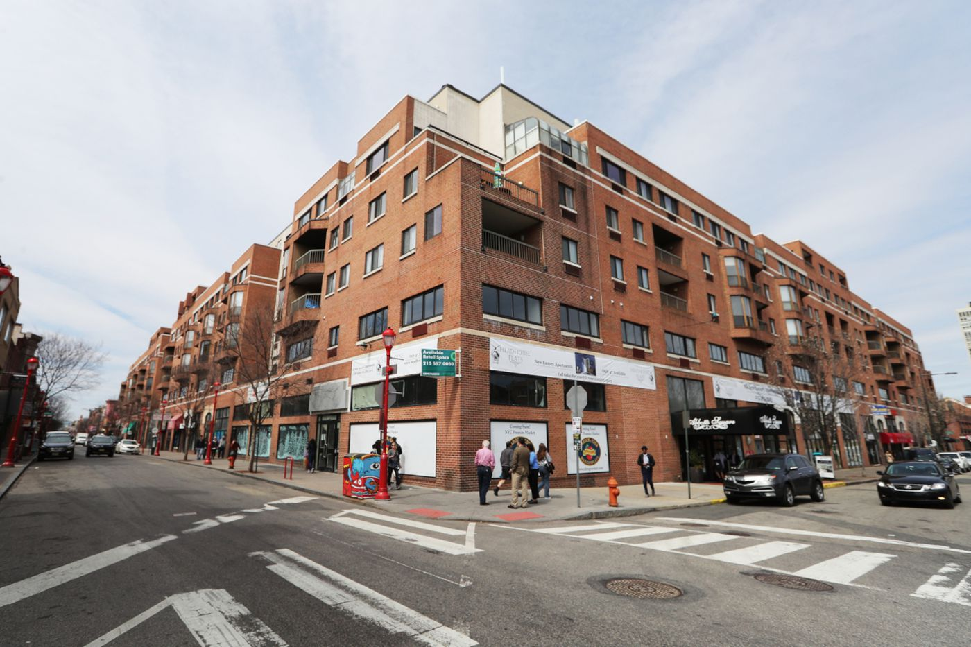 South Street in Philly is going in two different directions