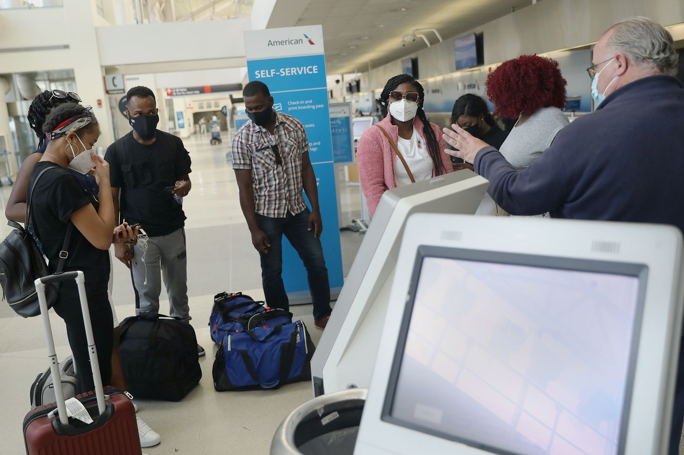 Can airlines make passengers wear masks?