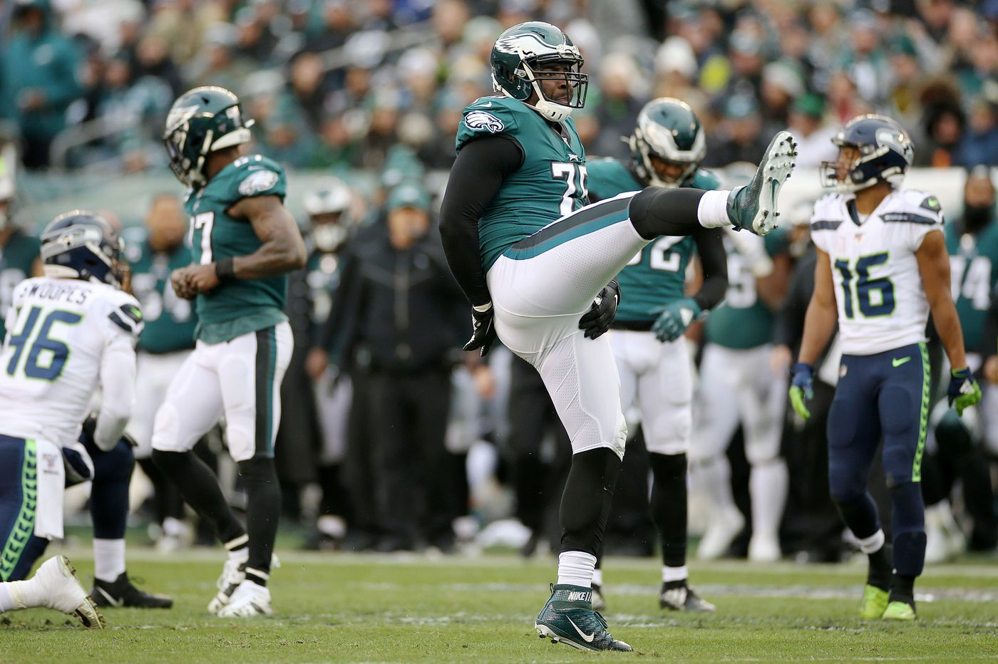 Eagles bring back 32-year-old Vinny Curry on a one-year deal