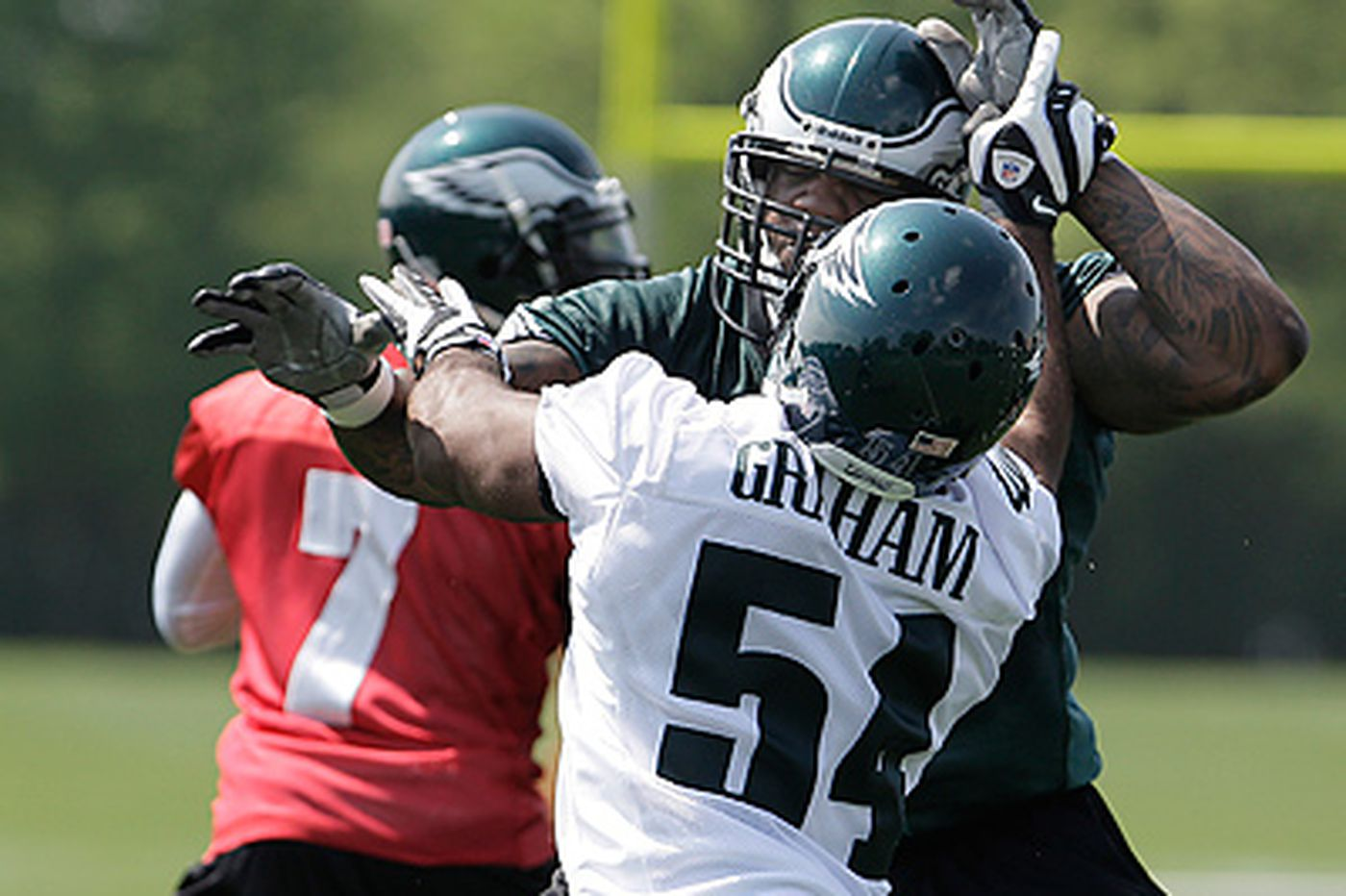 Eagles lineman Dunlap trying to get more King-sized