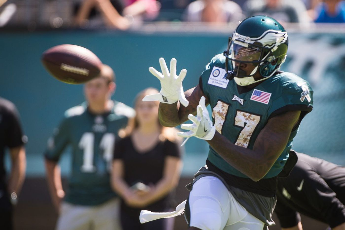 Eagles practice observations: Offense outpaces defense; Robinson struggles; Peters raises bar