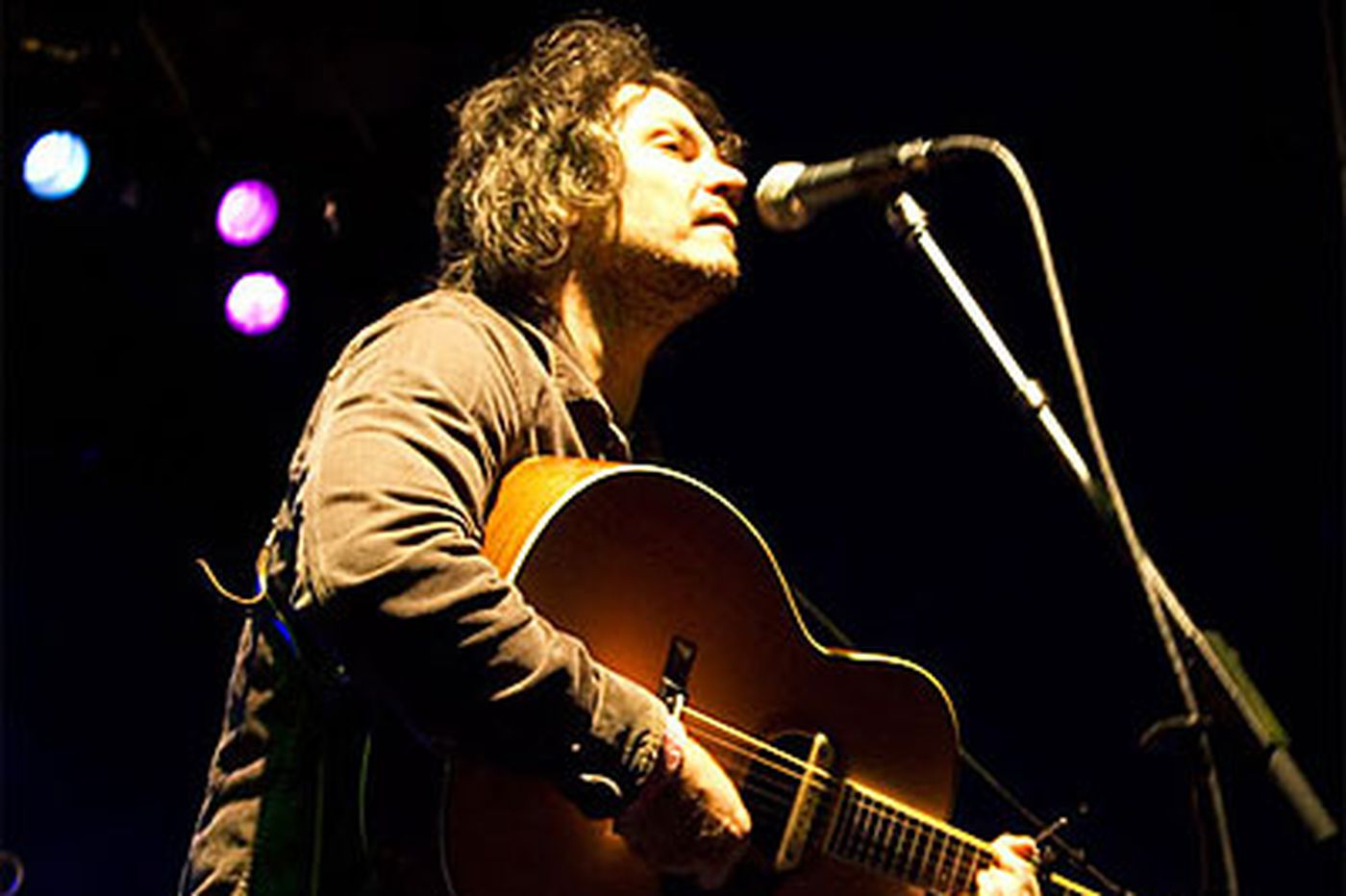 Who needs hits? Wilco pitch-perfect in Del.