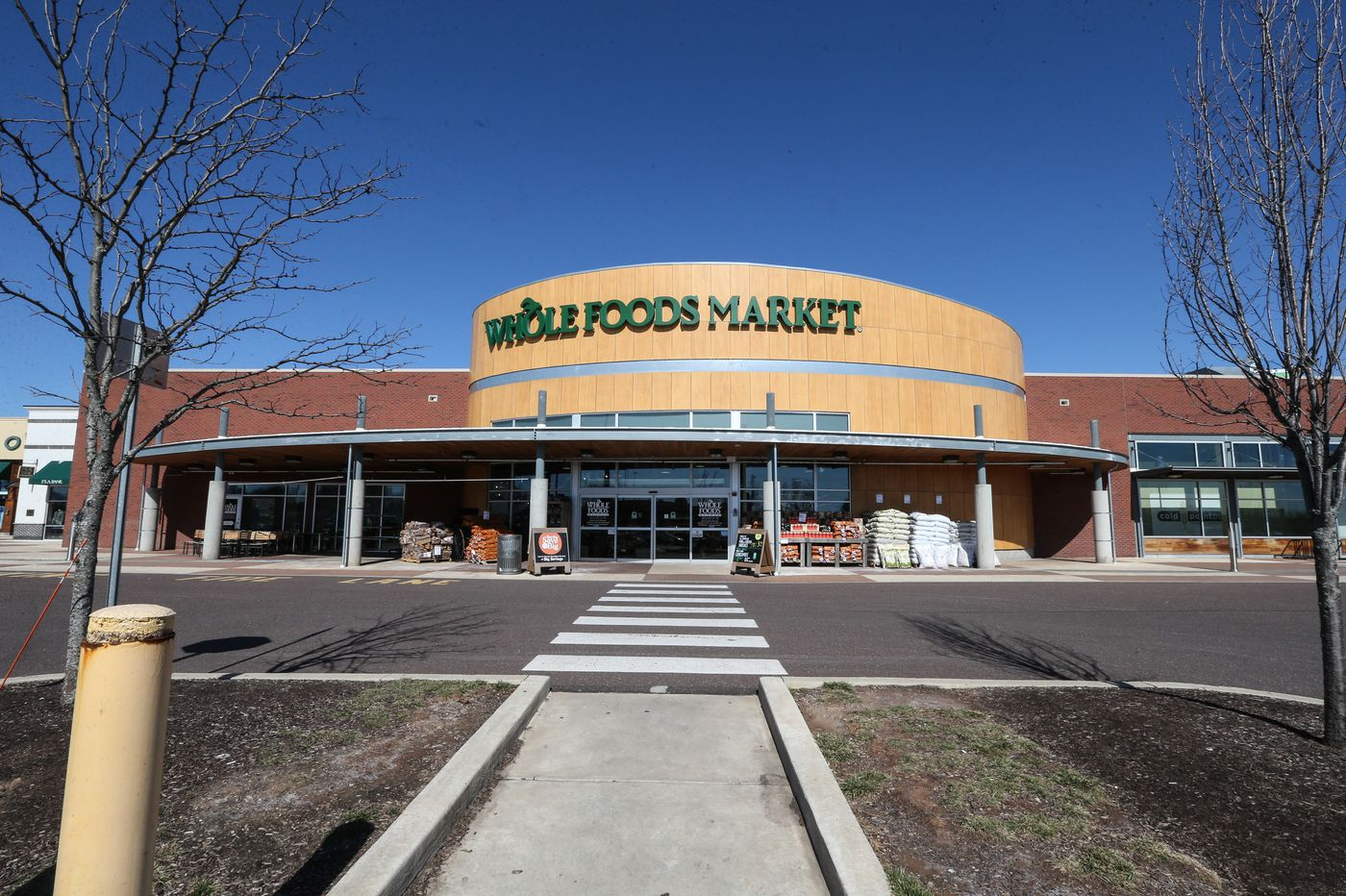 Amazon-Whole Foods: A year later, what's changed?