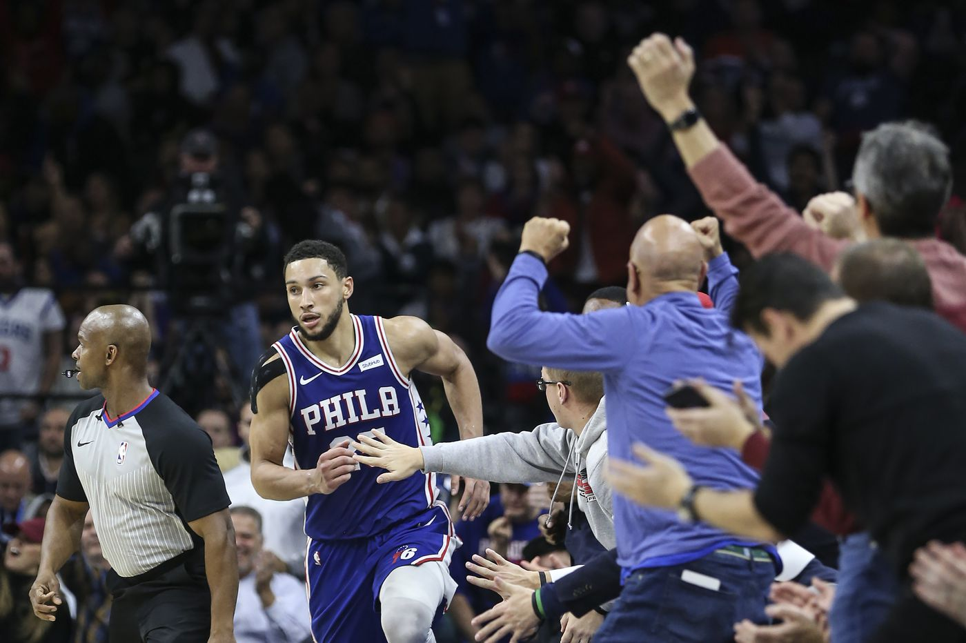 Sixers' Ben Simmons makes his first regular-season three-pointer