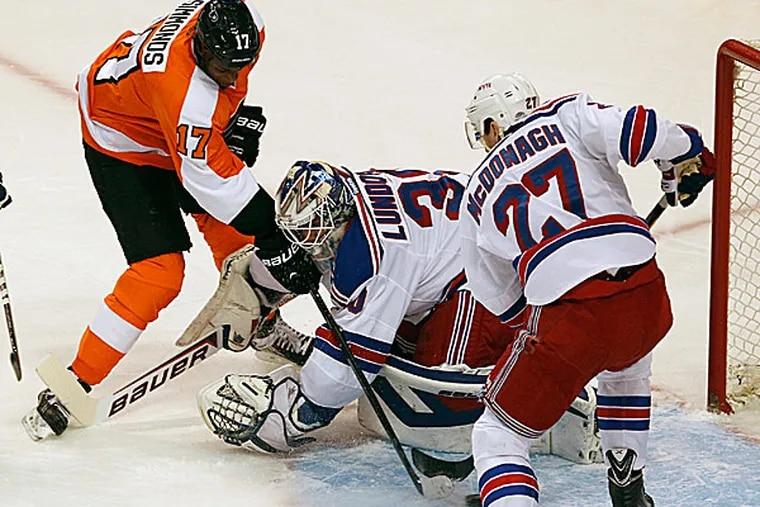 Flyers winger Wayne Simmonds. (Ron Cortes/Staff Photographer)