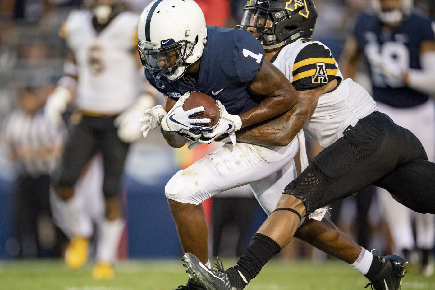 KJ Hamler runs and catches on clutch plays to propel Penn State to victory