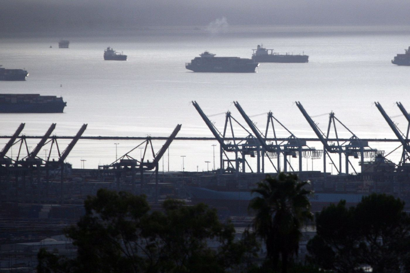 As L.A. ports automate, some workers are cheering on the robots
