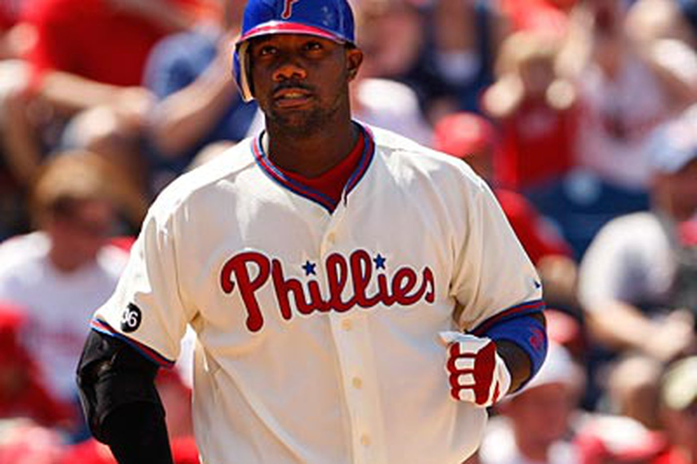 Phillies Notebook: Phillies still on the lookout for some offense