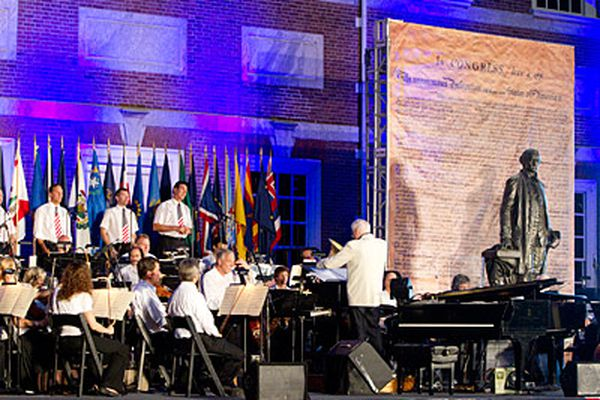 Review: Peter Nero's Independence Hall concert