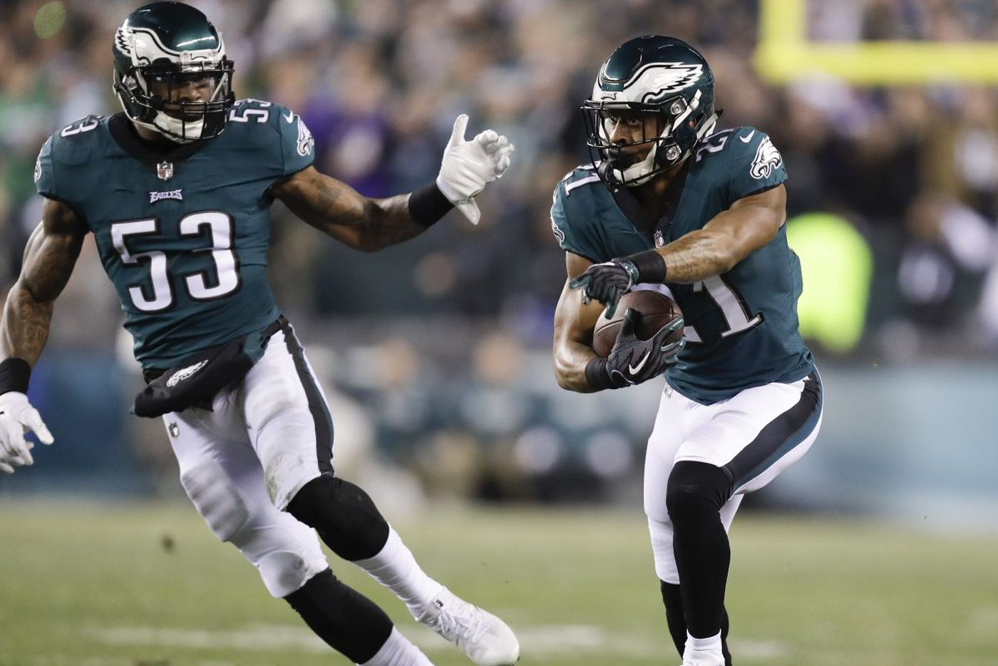 Eagles start league year by re-signing Nigel Bradham, say goodbye to Patrick Robinson, Beau Allen