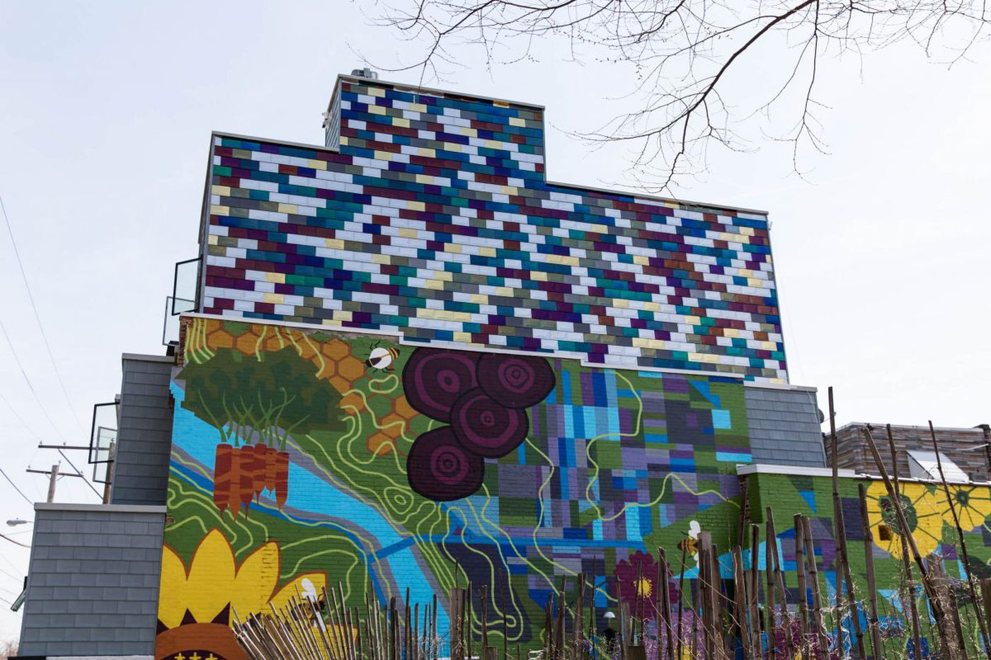 Rowhouse redesigned to complement Brewerytown Garden mural