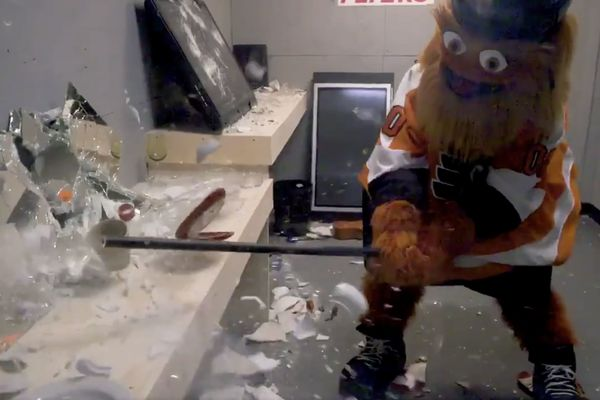 This Flyers season, you can wreak havoc at Wells Fargo Center 'rage room' and get a Gritty makeover