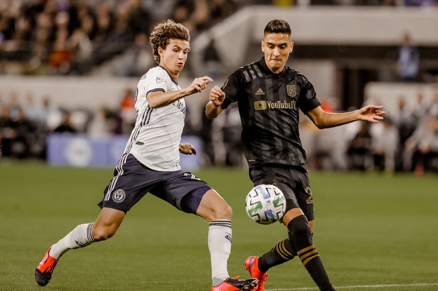 Santos, Glesnes, Aaronson goals give Union stunning 3-3 tie at LAFC
