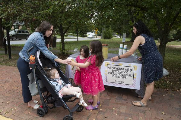 A last lemonade stand as summer winds down