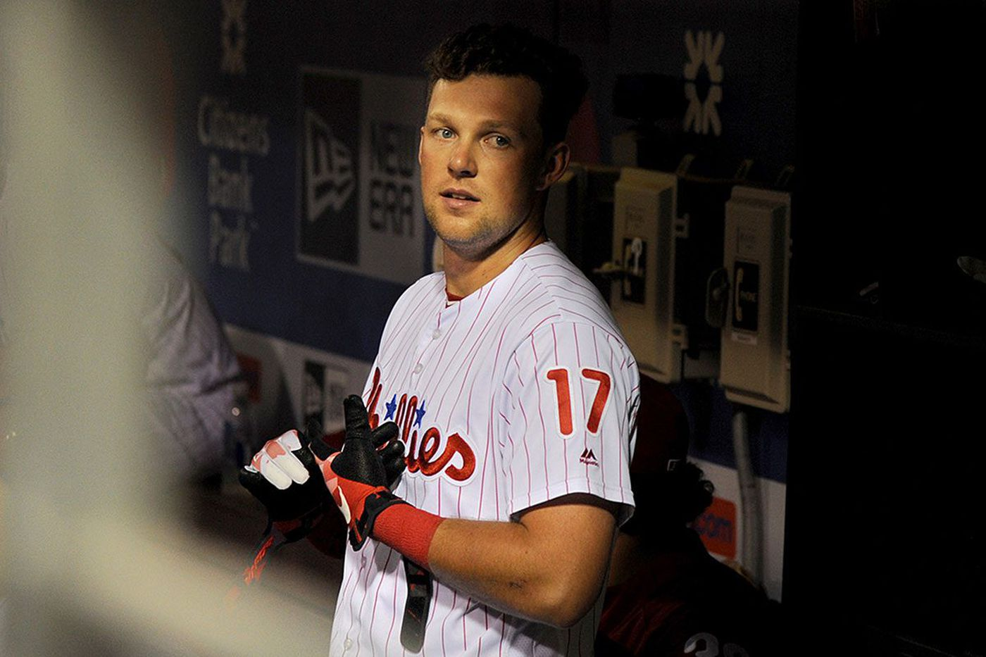 Rhys Hoskins and other young Phillies survive baseball's grind