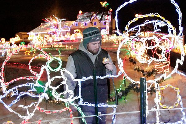 At Upper Dublin home, a dazzling light display