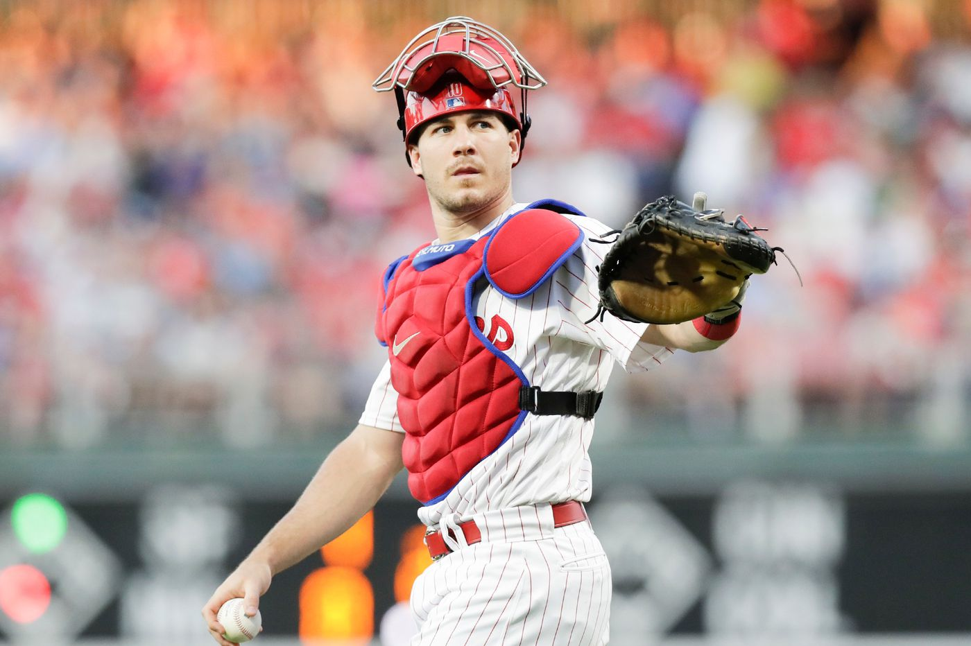 What makes Phillies catcher J.T. Realmuto so good at throwing out runners | Scott Lauber