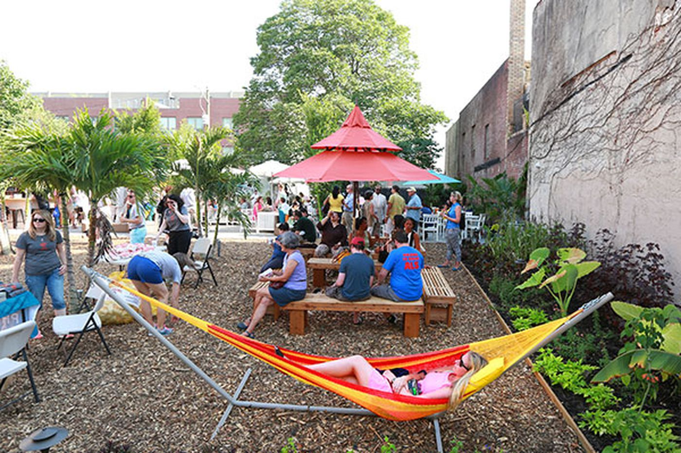 Pop-up gardens take advantage of LCB loophole