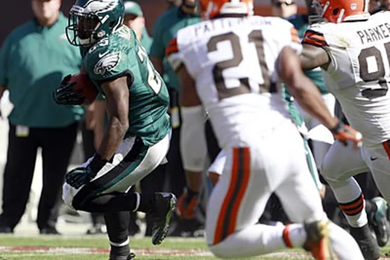 LeSean McCoy rushed for 110 yards on 20 attempts against the Browns on Sunday. (Yong Kim/Staff Photographer)