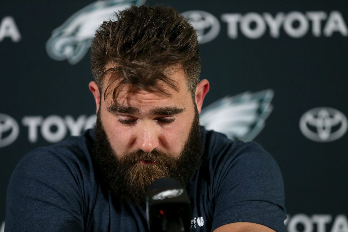 Eagles' Jason Kelce has gone from doubting himself to becoming a Philly folk hero   Mike Sielski
