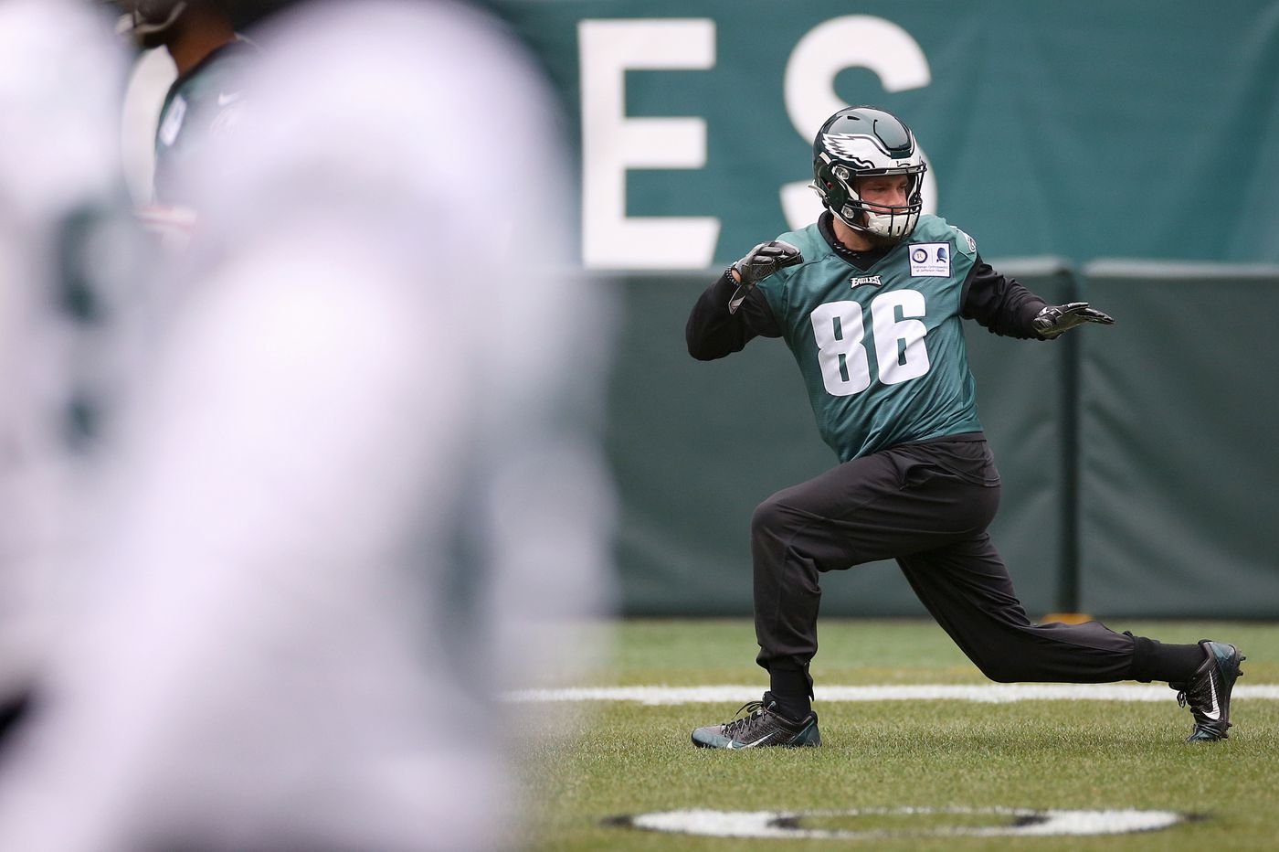 Zach Ertz cleared, so Eagles' leading receiver will dress Sunday against the Seahawks