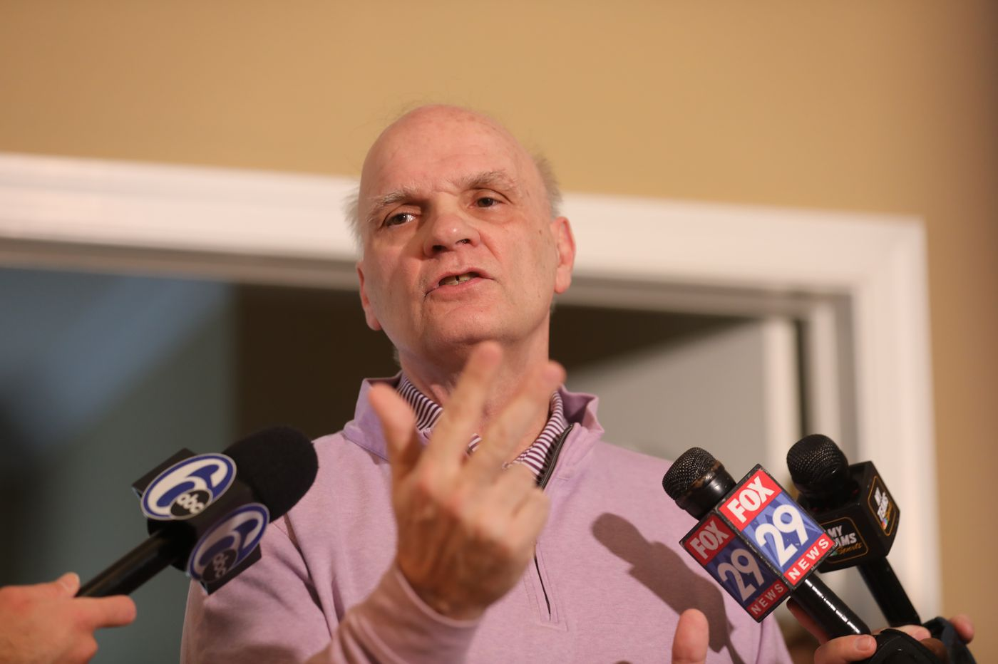 Ex-St. Joe's coach Phil Martelli has offer to become Michigan assistant under Juwan Howard