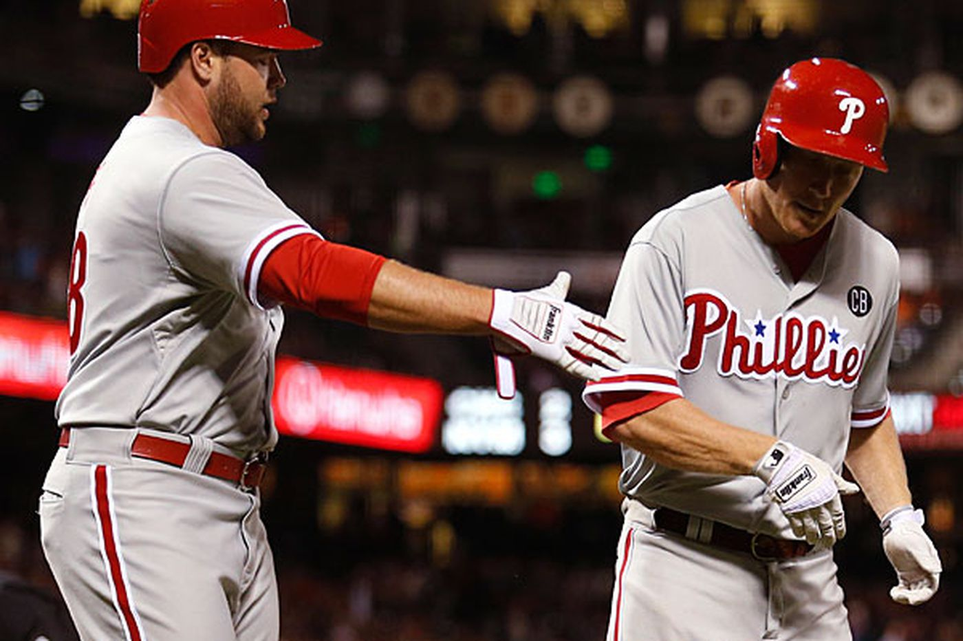 Phillies rally to beat Giants in 10 innings