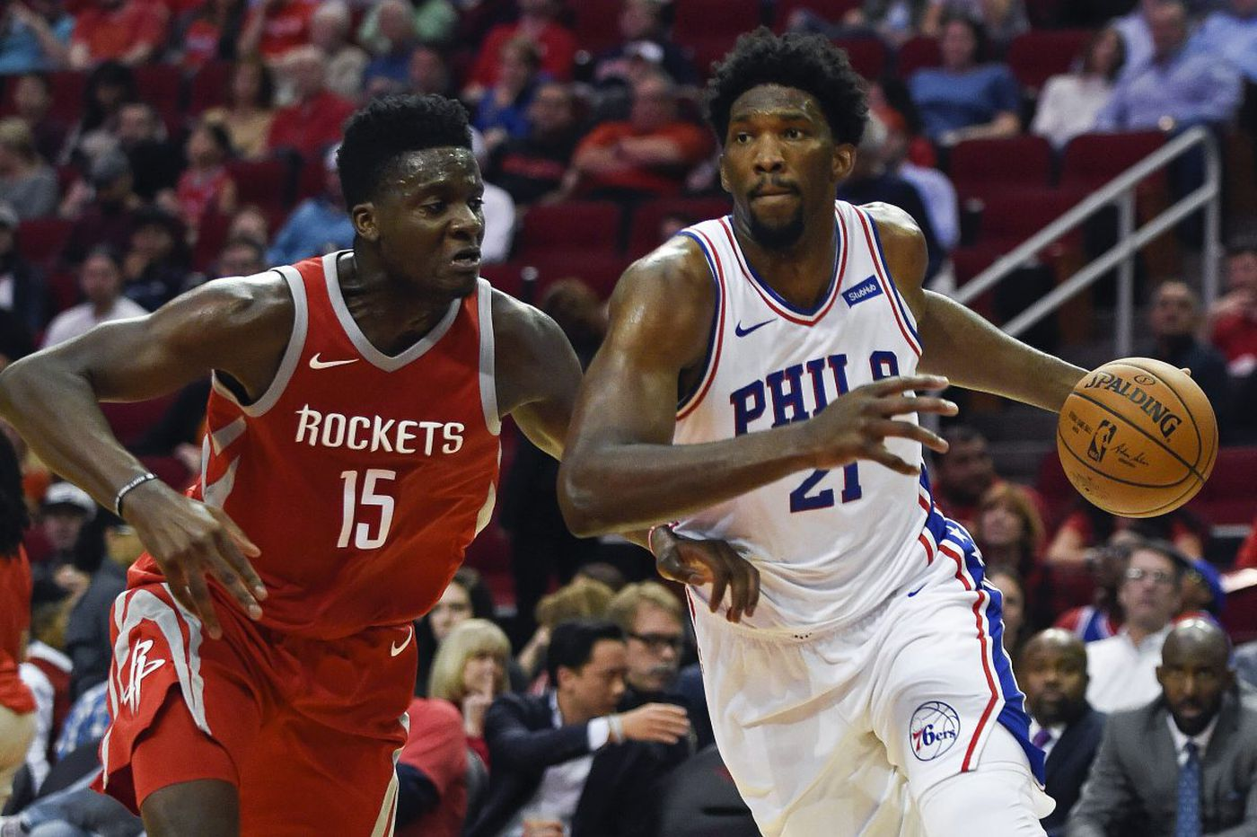 Sixers hold on for a rare win over Rockets